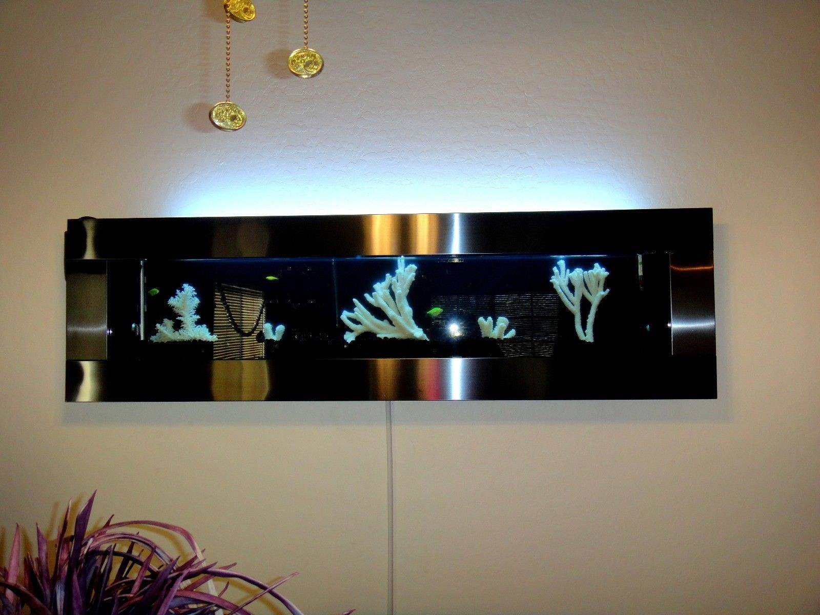 60 Quot Wall Mounted Aquarium